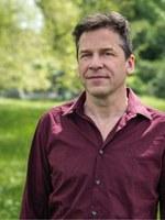 Neu bei Der gesunde Menschenversand: Guy Krneta, Die Perücke